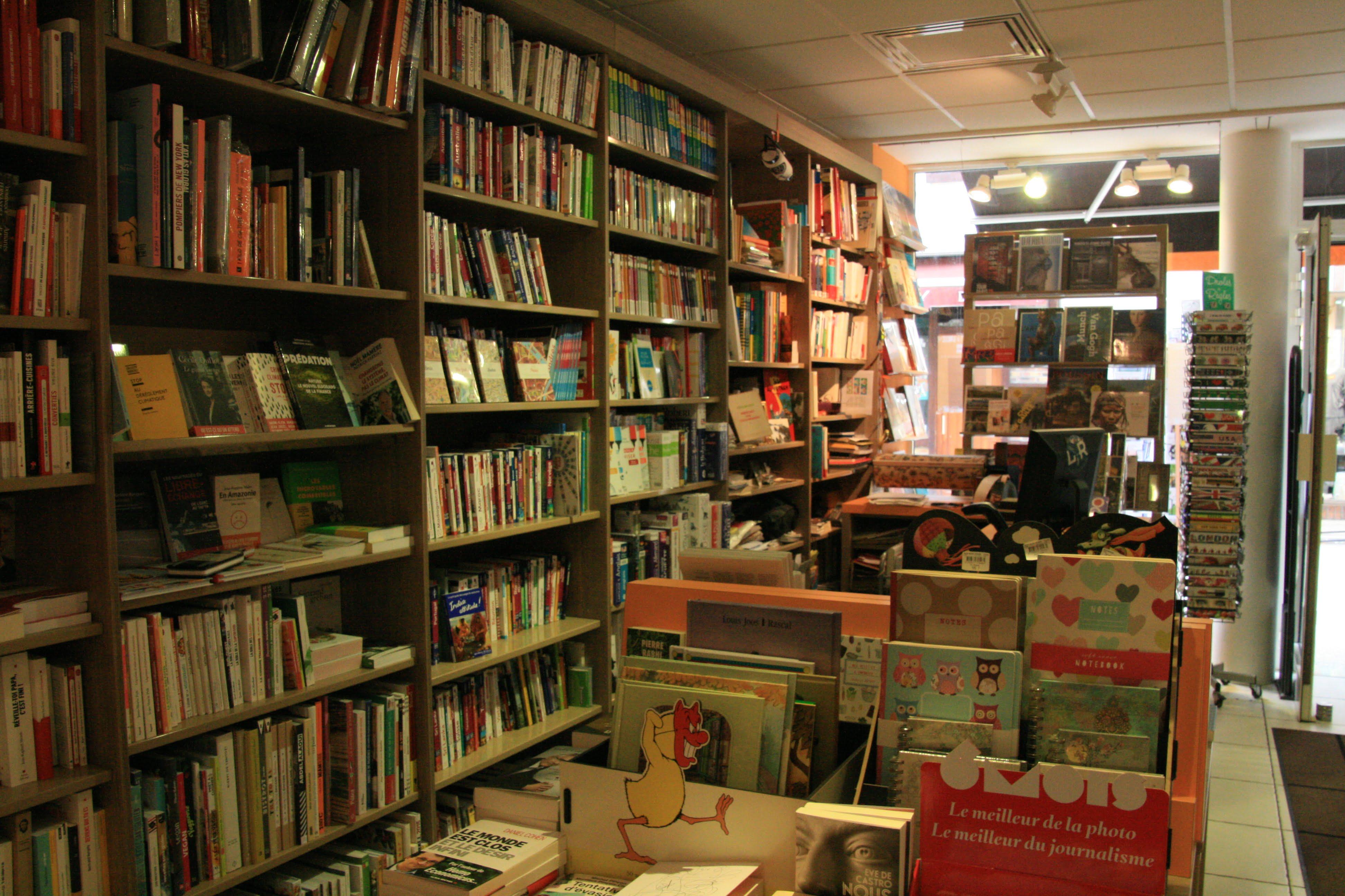 N 7 librairie les vraies richesses maison de banlieue for Libraire maison